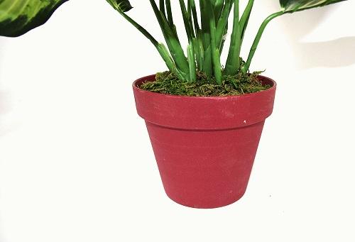 plante-verte-artificielle-en-pot
